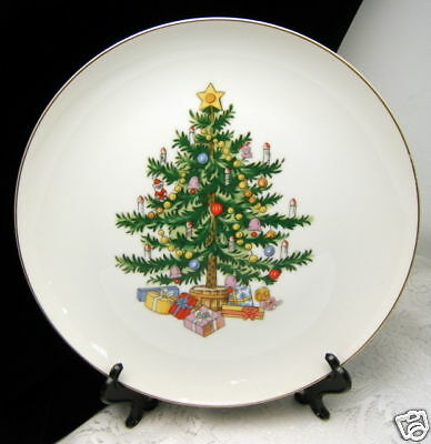 Lefton Christmas Tree Dinner Plate 10 1/2 Inch Scarce Set of 4 #1660 on Lookza