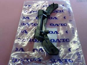 GENUINE-VOLVO-FUEL-FLAP-PLASTIC-HINGE-BRACKET-PETROL-DIESEL-V70-S60-S80-XC90