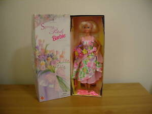 AVON-BARBIE-DOLL-BOXED-SPRING-PETALS-SPECIAL-EDITION