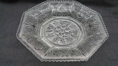Lacy Period Sandwich Glass Beehive & Thistle Oct. Plate