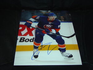 John-Tavares-New-York-Islanders-Autographed-8x10-Photo-COA