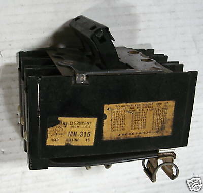 Square D 15a Circuit Breaker Mh-315 3 Pole 120vac Used