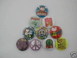 WOODSTOCK-ANNIVERSITY-10-NEW-PINS-Pinbacks-Buttons-ZS