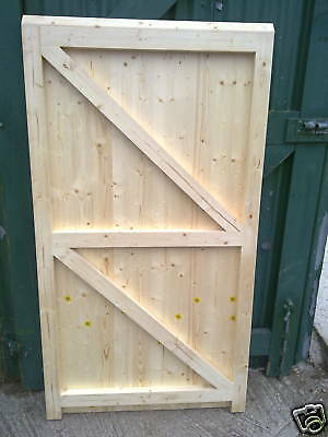 Side Hung Side Hinged Timber Wooden Garage Door Gates Barn