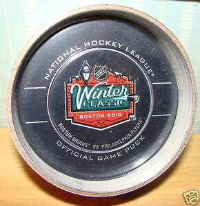 2010-Winter-Classic-Game-Puck-Bruins-Flyers-Fenway-Park