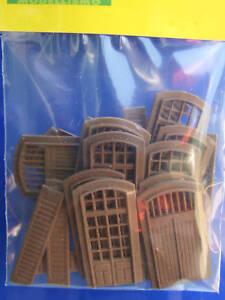 Porte-persiane-stile-Italiano-per-edificio-modellismo-HO-1-87-pz-24-Krea