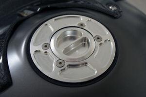 Silver-BMW-R1200R-R1200S-R1200GS-Adventure-Race-Fuel-Gas-Cap-CNC-Billet-Aluminum