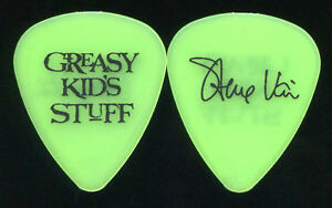 steve vai 1990 39 s fan club only guitar pick greasy kids stuff 2 ebay. Black Bedroom Furniture Sets. Home Design Ideas