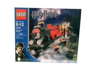 Beautiful LEGO Harry Potter Hogwarts Express 2004 (4758)