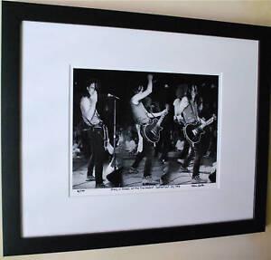 Guns-N-039-Roses-live-Izzy-Stradlin-1985-Troubadour-fine-art-photo-signed-7-100