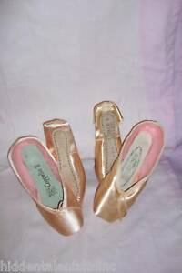 NEW CHACOTT WOMENS POINTE SHOES VERONESE II & COPPELLA II Medium SHANK 4-11US