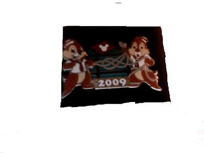Disney Cruise Line Chip And Dale All Wrapped Up Pin