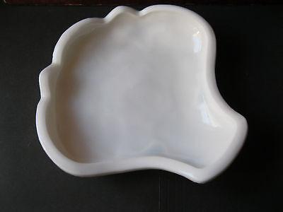 Vintage McKee Pres cut Fentec Milk Glass Shell Plate