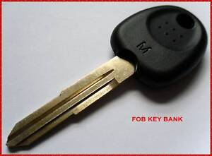 HYUNDAI-blank-key-with-Chip-Accent-Elantra-Coupe-Excel-Getz-Matrix-Terracan-etc