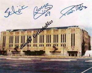 CHICAGO-BLACKHAWKS-STADIUM-SIGNED-AUTOGRAPHED-PHOTO