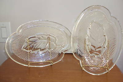 SET-OF-2-VINTAGE-PRESSED-CLEAR-GLASS-SNACK-PLATES