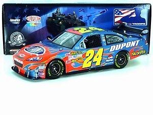 2008 Jeff Gordon #24 Salute the Troops 1:24 Scale Diecast Action C248821MIJG