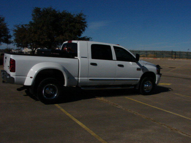 07 Dodge Ram 1 Ton Dually Mega Cab 4X4 Nav TV. LQQK