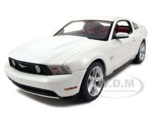 2010-FORD-MUSTANG-GT-COUPE-WHITE-1-18-DIECAST-MODEL-CAR-BY-GREENLIGHT-12814