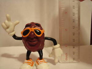 California-Raisin-with-Orange-Sunglasses-2-1-2-Inches
