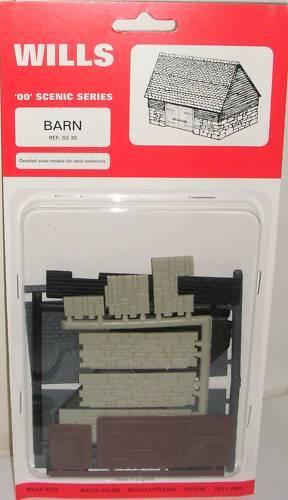 Wills SS30. Barn Kit. NEW (00 Gauge)