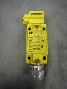 Telemecanique-XCS-A300-Q300-XCS-B161-NEW-10-3