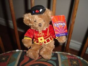 Russ Berrie Glorious Britain Beefeater Bear 92407