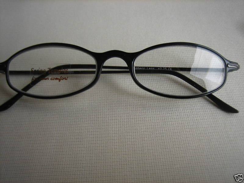 Black Reading Glasses / Magnifiers R1030
