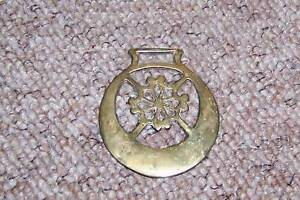 Antique-Shire-Horse-Brass-Snowflake-Pattern-see-det
