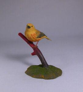 Yellow-Warbler-Backyard-Bird-Carving-Birdhug