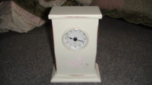 WENDY BELLISSIMO VINTAGE TEABERRY CLOCK