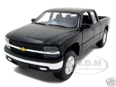 Chevrolet silverado 1500 black 1 27 diecast model car by maisto 31941