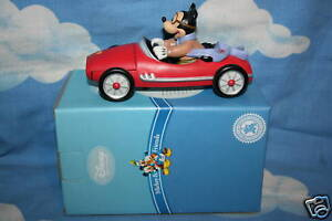DISNEY-IMPRESSIONS-MICKEY-FRIENDS-LIFE-IN-THE-FAST-LANE