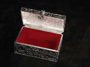 Courtney-Chest-Style-Jewelry-Box-Silver-Plated