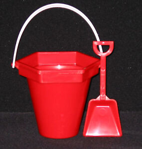 3-RED-PLASTIC-SAND-BUCKET-SHOVEL-BEACH-BUCKET-PAIL