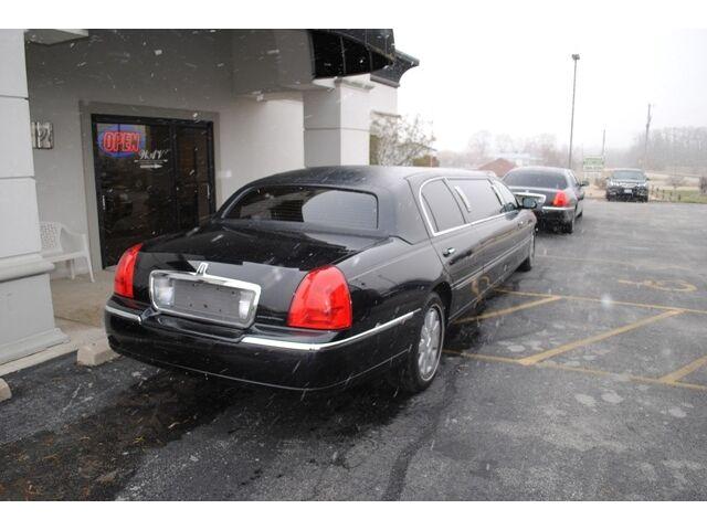 limo limousine stretch stretched town car krystal 2720 w national rd dayton oh 45414. Black Bedroom Furniture Sets. Home Design Ideas