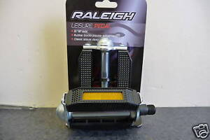 VINTAGE-RUBBER-TYPE-BLOCK-BIKE-CYCLE-PEDAL-SUIT-RALEIGH-CHOPPER-NEW