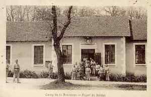 16-cpa-Camp-de-La-Braconne-Foyer-des-Soldats