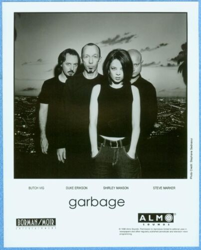 GARBAGE 1998 ALMO SOUNDS MUSIC INDUSTRY PUBLICITY PHOTO