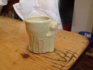 Keele St.Pty.Co.Ltd Yellow Sooty Egg Cup em51