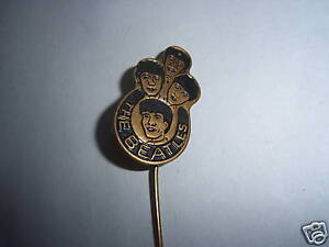 ORIGINAL-1960s-THE-BEATLES-BLACK-LAPEL-BADGE-PIN-BROOCH-FROM-HOLLAND-FAB