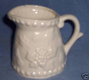 Vintage-White-pottery-CREAMER-PITCHER-Napco-Napcoware