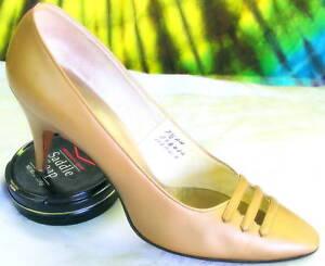 7-7-5-vintage-60s-gold-ANDREW-GELLER-heels-pumps-shoes
