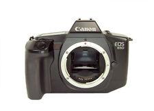 Analoge Kameras mit Aufnahmemodi, Autofokus und Tragegurt/Handschlaufe