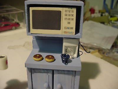 1/18 - Microwave Oven - WHITE -  SCALE - for your shop/garage/diorama