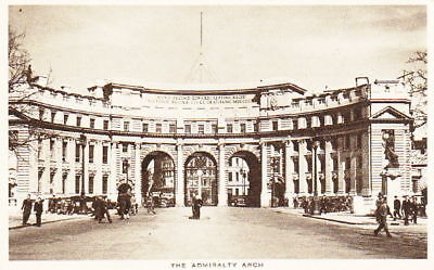 THE ADMIRALTY ARCH - VINTAGE WW2 LONDON POSTCARD