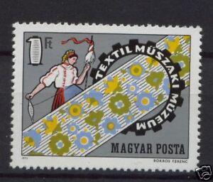 Hungary-1972-SG-2738-Textiles-MNH