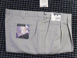 NWT Men's BIG and Tall Pants RT&Y/Savane     44 x 29      Khaki