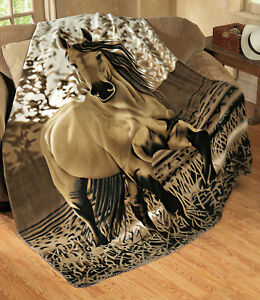 Galloping-Horse-Fleece-Throw-Blanket