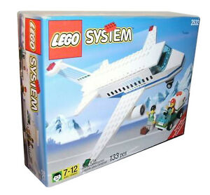 nuovo Lego Town Airport 2532 Aircraft & Ground Crew  Sealed Ships World Wide  ordina ora goditi un grande sconto